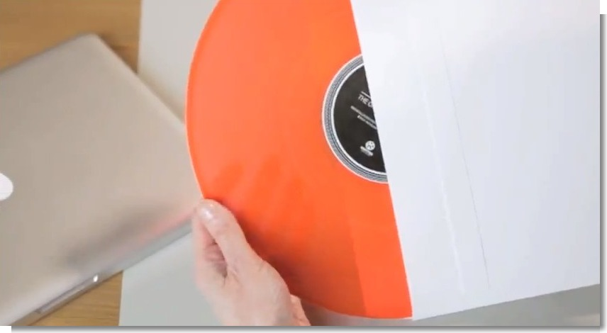 Kontor Records Back to vinyl-The Office Turntable_film - YouTube (2)