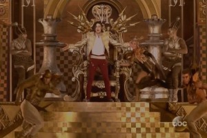 Michael-Jackson-Hologram-Performs-at-Billboard-Music-Awards-01