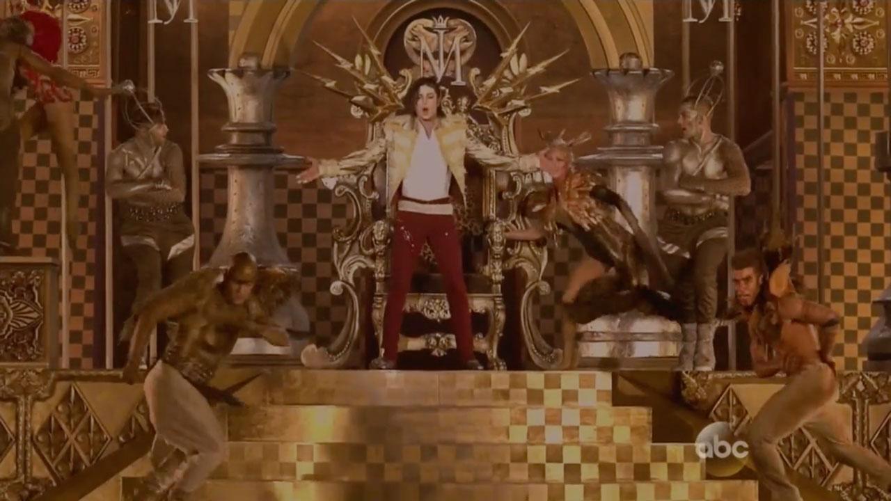 Michael-Jackson-Hologram-Performs-at-Billboard-Music-Awards-01