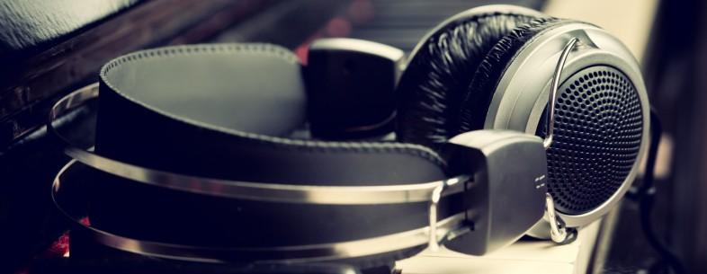 headphones-786x305