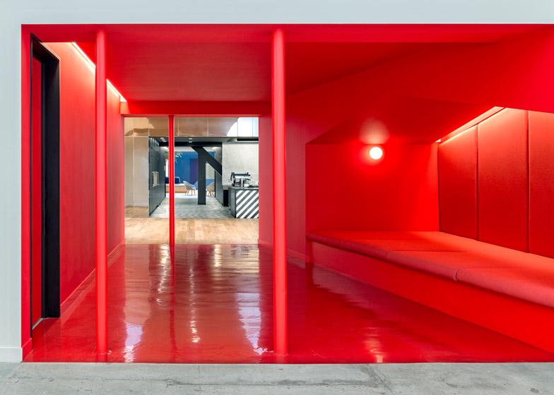 Beats-by-Dre-headquarters-by-Bestor-Architecture_dezeen_784_11