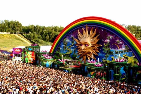 tomorrowland-one-big-happy-place
