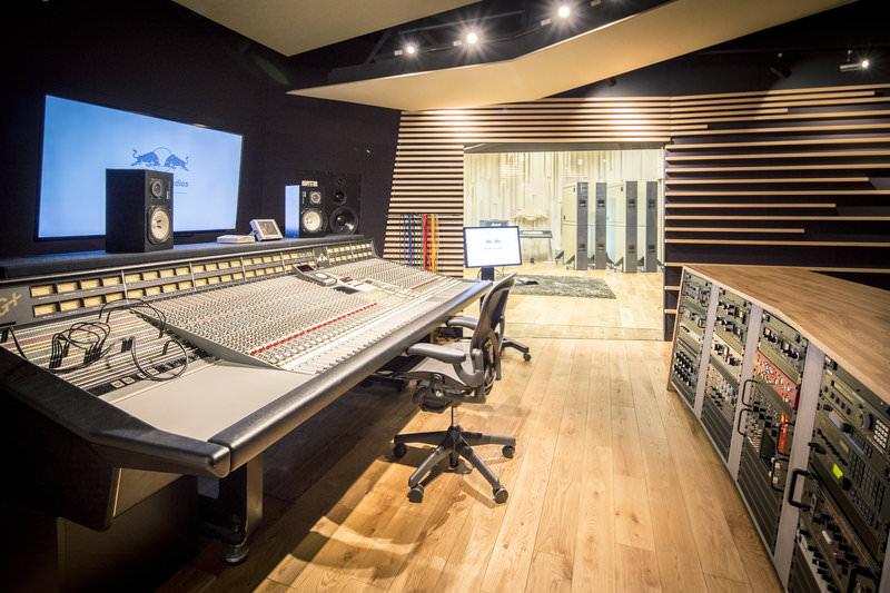 red-bull-studios-tokyo3