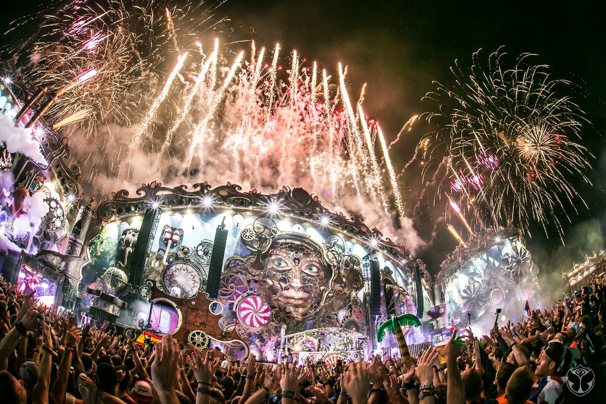 tomorrowland2014