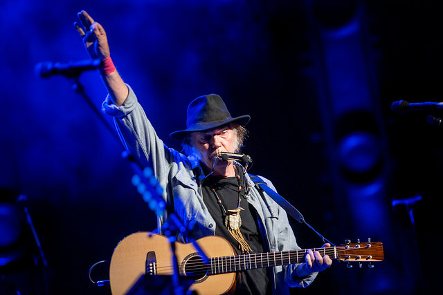 neilyoung_live
